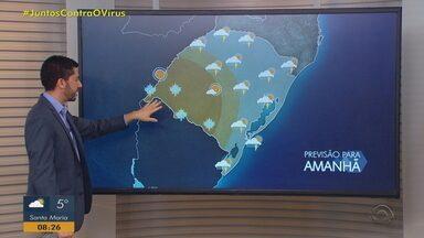 Chuva volta na metade Leste do RS nesta terça-feira (18) - Temperaturas ficam baixas no amanhecer; máximas são amenas.