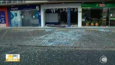 Bandidos explodem caixas eletrônicos durante a madrugada em Teresina - Bandidos explodem caixas eletrônicos durante a madrugada em Teresina