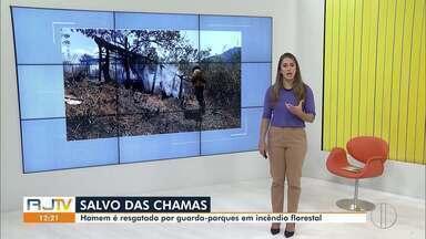 Homem é resgatado por guarda-parques em incêndio no Parque Estadual dos Três Picos - Parque fica localizado em Cachoeiras de Macacu.