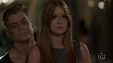 Eliza e Arthur encontram Jonatas e Leila - Os casais ficam constrangidos com o climão