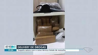 Motoboy é preso com a caixa térmica lotada de maconha no ES - Confira na reportagem.