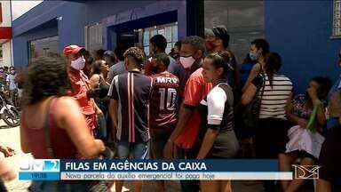 Agências da Caixa amanhecem lotadas em São Luís pelo pagamento do auxílio emergencial - Uma notícia ruim é que, a partir de terça, o horário de atendimento será reduzido.