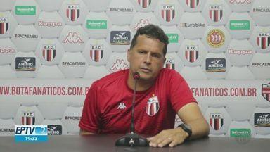 Dois jogadores são diagnosticados com Covid-19 no Botafogo-SP - Pantera encara o Avaí nesta terça-feira (18), às 19h15, em Florianópolis (SC).