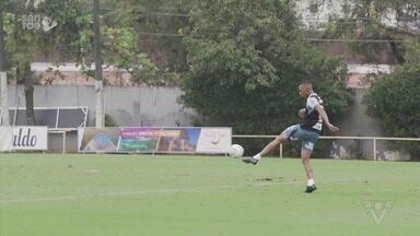 Com desfalques, Santos enfrenta Sport nesta quinta-feira, em Recife - O repórter Flávio Passos traz mais informações direto da Vila Belmiro.