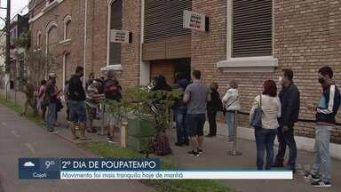 Poupatempo registra filas em Santos, mas tem movimento mais moderado no segundo dia - Movimento foi mais tranquilo na manhã desta quinta-feira (20), segundo dia de reabertura.