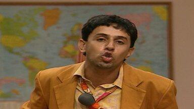 Episódio 398 - Chico Anysio comanda uma turma da pesada que apronta altas confusões na Escolinha do Professor Raimundo. Em matéria de humor, eles são nota dez.