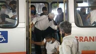 Confira como foi o primeiro dia de liberação do transporte público para idosos em Marília - Entrou em vigor nesta terça-feira (1º) em Marília um decreto permitindo que os idosos utilizem novamente o transporte coletivo na cidade. Neste primeiro dia, vários ônibus apresentaram lotação de passageiros.