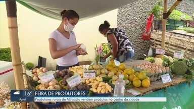 Feira de produtores rurais acontece em Miracatu e é aposta para aumentar renda - Produtores rurais da cidade vendem produtos no Centro da cidade do Vale do Ribeira.