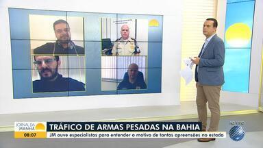 Segurança Pública: Especialistas debatem o tráfico de armamento pesado na Bahia - Uma operação da polícia encontrou armas de grande porte no bairro Jardim Santo Inácio, na terça-feira (1).