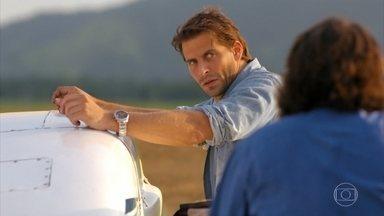 Cassiano se irrita com a demora na viagem - Dom Rafael diz que chamará ajuda para resgatá-los