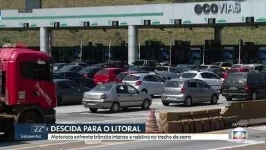 Feriadão: mais de 120 mil veículos seguiram para o litoral paulista, diz Ecovias - As estradas ficaram congestionadas na manhã deste sábado (5).