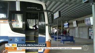 Movimento na rodoviária de Três Rios é tranquilo neste sábado - Estradas estão agitadas com o feriado prolongado de 7 de setembro.
