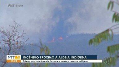 Incêndio destrói área de floresta e se aproxima da Aldeia Formoso, em Tangará da Serra - Incêndio destrói área de floresta e se aproxima da Aldeia Formoso, em Tangará da Serra.