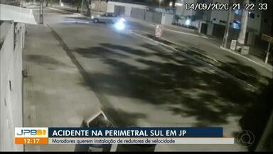 Motociclista morre em acidente na perimetral sul, em João Pessoa - Câmera de segurança registrou batida