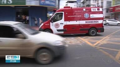 Acidente deixa dois feridos em Linhares, no ES - Assista a seguir.