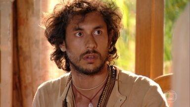 Taís fica encantada com Lino - Dadá aceita carona que Taís oferece a Lino até a praia