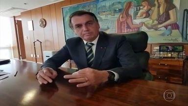 Bolsonaro diz que vai dar 'cartão vermelho' para quem falar do Renda Brasil - Após mais de três meses de discussões sobre o Renda Brasil, o presidente Bolsonaro eliminou qualquer possibilidade de lançar o programa que substituiria o Bolsa Família.