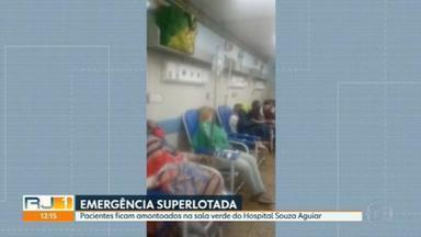 Pacientes ficam amontoados na sala verde do Hospital Souza Aguiar - Emergência do Hospital Souza Aguiar está lotada.