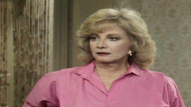 Capítulo de 23/04/1987 - Herbert dá detalhes de seu plano de fuga a Montenegro, que, mesmo preocupado, promete nunca revelar o segredo. Rafaela diz à família que a situação financeira não é boa.