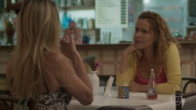 Gilda reclama dos comentários de Suely - Carlinhos avisa que jamais aceitará Hugo no lugar de seu pai