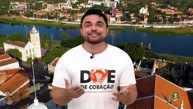 Dan Viana e o humorista Milton Costa falam sobre relacionamentos - O apresentador e o humorista conversam sobre o que está bombando na internet