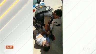 Dois casos de violência policial em abordagens são denunciados, em MG - As imagens foram registradas por testemunhas das agressões.