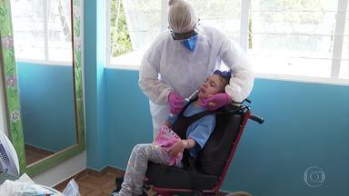 Associação em Ceilândia é uma das 8 selecionadas para participar do Criança Esperança - APAED ajuda crianças com deficiências múltiplas e intelectuais. Este ano, campanha Criança Esperança completa 35 anos.