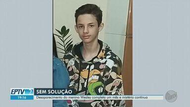 Mãe de adolescente desaparecido em SP relata dificuldade em comer e dormir - Filho de Camila Pedroso de Oliveira, garoto Wesley, de 13 anos, sumiu no dia 28 de agosto, em Franca (SP), após dizer à família que ia a um varejão. Polícia investiga o caso.