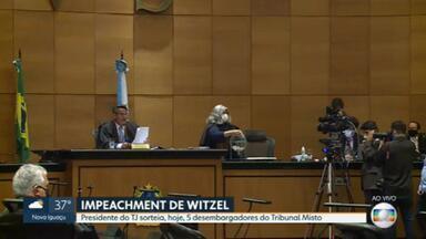 TJ sorteia desembargadores que formarão Tribunal Misto para julgar processo de impeachment contra Witzel - O presidente do Tribunal de Justiça sorteia, nesta segunda (28), os cinco desembargadores que vão integrar o Tribunal Misto que vai julgar o processo de impeachment contra Wilson Witzel.