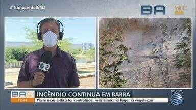 Brigadistas e voluntários lutam para combater queimadas em comunidades da região oeste - Fogo deixa rastros de destruição em pelo menos seis localidades do município de Barra, que é o mais afetado pelos incêndios.