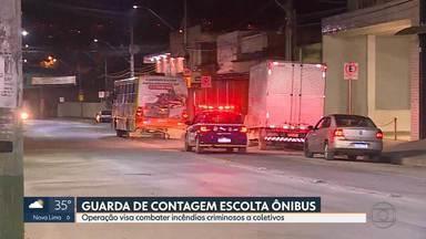Guarda escolta ônibus pelo terceiro dia seguido em Contagem - Operação começou depois que bandidos botaram fogo em ônibus, no sábado, à noite.