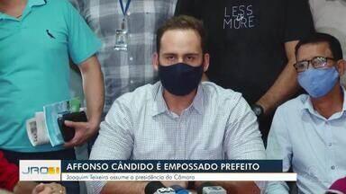 Affonso Cândido é empossado prefeito de Ji-Paraná - Joaquim Teixeira assume a presidência da Câmara.