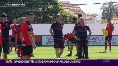 Jogadores do Atlético-GO testam negativo para Covid-19 antes do jogo contra o Corinthians - Time rubro-negro jogou contra o Fluminense, que apresentou alguns atletas com resultado positivo, mas elenco do Dragão está livre da doença.