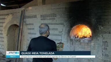 Quase meia toneladas de droga é incinerada pela Polícia Civil em Porto Velho - Drogas são resultado de apreensões que acontecem desde janeiro desde ano em operações do Denarc em Porto Velho. Incineração aconteceu nesta terça-feira (29).