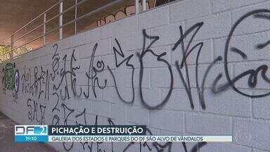Galeria dos Estados, no centro de Brasília, é alvo de vandalismo - Segundo os lojistas, as pichações feitas pelos vândalos ocorreram apenas uma semana depois da reinauguração da galeria, que passou por um ano e meio de reformas.