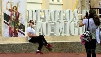 São Miguel Arcanjo retoma parte das atividades turísticas - São Miguel Arcanjo (SP) retomou parte das atividades turísticas, e nesta terça-feira (29), dia do padroeiro da cidade, fiéis seguiram medidas restritas para acompanhar celebrações.