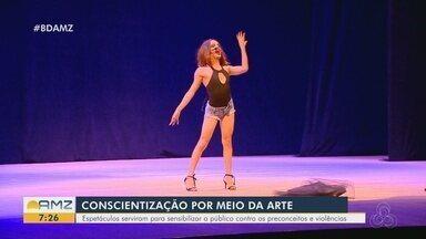 Em Manaus, espetáculo aborda situações do cotidiano da comunidade LGBTQIA+ - Espetáculos buscam sensibilizar público contra preconceitos e violências.