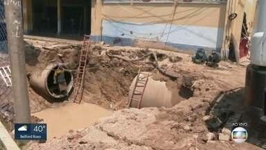 Rompimento de adutora provoca prejuízos em Higienópolis - O rompimento suspendeu o fornecimento de água em 21 bairros da Zona Norte.