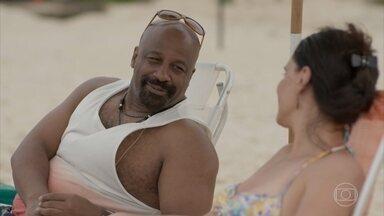 Wesley curte a praia com a família - O rapaz agradece a força dos pais e irmãos