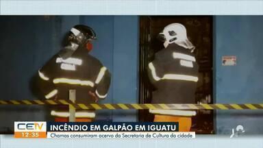 Incêndio em galpão em Iguatu, chamas consumem acervo - Saiba mais no g1.com.br/ce