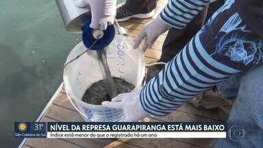 Pesquisadores coletam amostras de água da Represa Guarapiranga para ver nível de poluição - Pesquisadores coletam água da Represa Guarapiranga.