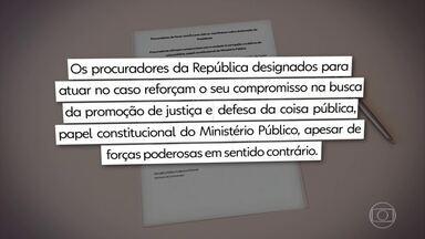 """Força-tarefa da Lava Jato contesta fala de Bolsonaro sobre fim da operação - Procuradores da Lava Jato divulgaram uma nota em que lamentam a fala do presidente Bolsonaro de que ele """"acabou com a Lava Jato, porque não tem mais corrupção no governo""""."""