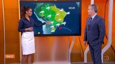 Previsão é de chuva no Sudeste, Sul e Centro-Oeste durante o feriado de 12 de Outubro - No litoral de São Paulo e do Rio de Janeiro, por exemplo, o fim de semana e feriado serão mais fechados, com temperatura baixa para esta época do ano. Meteorologia prevê ventos fortes no norte nordestino, do Maranhão até o Rio Grande do Norte.