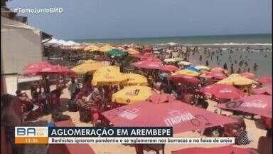 Praia de Arembepe, no litoral norte, tem aglomerações no feriado prolongado - Veja também como está o fluxo de veículos na praça de pedágio da região.