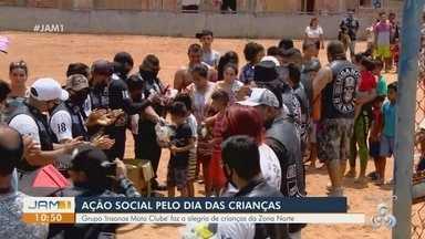 Grupo de motociclistas realiza ação social no Dia das Crianças, em Manaus - Grupo 'insanos Moto Clube' faz alegria de crianças da Zona Norte.