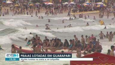 Guarapari registra grande movimento nas praias durante o feriado, ES - Assista.