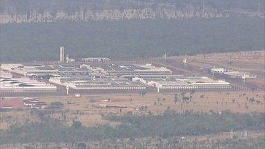 Dezessete presos fogem do centro de detenção provisória da Papuda, no DF - Todos estavam no centro de detenção provisória, onde ficam os presos que aguardam julgamento, e escaparam pelo teto.