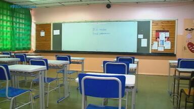 Professores e funcionários se sentem inseguros com o retornos das aulas no interior do RS - Em Santa Cruz do Sul, nenhuma das 19 escolas estaduais recebeu os equipamentos de segurança do governo. Aulas retornam na próxima terça (20).