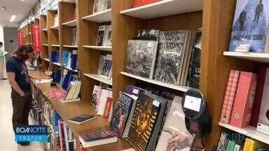 Vendas de livros voltam a crescer - Nos últimos meses, livrarias registraram aumentos nas vendas.
