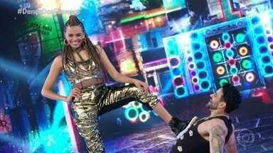 Lucy dança 'Cobra Venenosa' com Léo Santos - A atriz se apresenta no 'Dança dos Famosos'